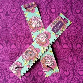 LIMITED EDITION! Tula Pink Handmaß - Türkis mit Pfingstrosen-Blüten - Free Spirit