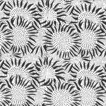 Schwarz-Weiss Batikstoff mit Sonnenblumen - Chalk Black Sunflowers Batikstoff - Hoffman Balibatiks Patchworkstoffe