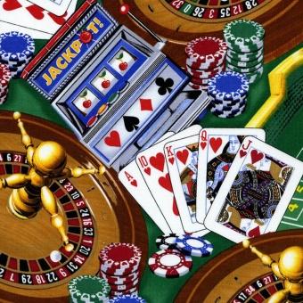 Motivstoff mit Spielkarten, Roulette, Black Jack, Poker, Würfel und Spielchips - Green Casino Games Baumwollstoff von Timeless Treasures
