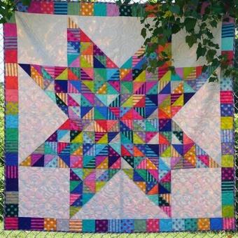 Confetti Quilt Anleitung - Tula Pink True Colors & All Stars Designerstoffe Pattern - FreeSpirit Patchworkdecke - GRATIS DOWNLOAD!