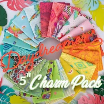 42er Charm Squares 5 inch Stoffpaket - Daydreamer Tula Pink Designerstoffe - Tropische FreeSpirit Patchworkstoffe - VORBESTELLUNG! ca. November 2021