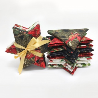 15 FQs Weihnachtsstoff - Fat Quarter Stoffpaket mit Jingle Stars Metallicstoff - Hoffman Fabrics