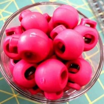 Himbeer-Pinke Kordelstopper - Runde Versteller für Kordeln - Magenta
