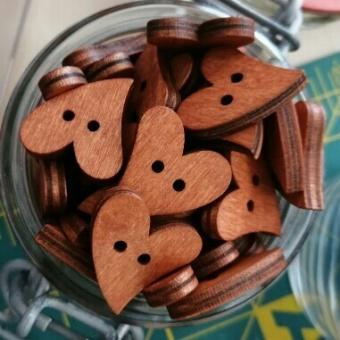 Herzchen Holzknöpfe - Shabby Chic Herzknöpfe - Vintage Herzchenknöpfe - 20mm