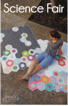 Science Fair Patchworkdecke - Hex'N'More Schnittmuster Booklet - Jaybird Quilts