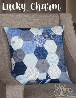 Lucky Charm Dekokissen - Hex'n'More Kopfkissen Schnittmuster Booklet - Jaybird Quilts Pillow Pattern