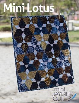 Mini Lotus Miniaturquilt - Hex'N'More Schnittmuster - Jaybird Quilts