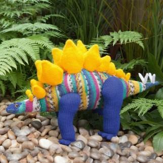 Stegosaurus Stofftier - Dinosaurier Kuscheltier - Materialpackung / Strickpaket