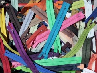 Wundertüte 50 Reißverschlüsse - Kleine Reißverschlusswundertüte 18cm nicht teilbar