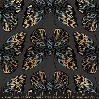 Sarah Watts Tiger Fly Ash Moths Mottenstoff - Ruby Star Society Designerstoff - Tiermotivstoff mit Schmetterlingsmotiv & Golddruck