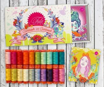 Tula Pink Curiouser & Curiouser Premium Collection - Großes Aurifil Garnsortiment - 20 Spulen