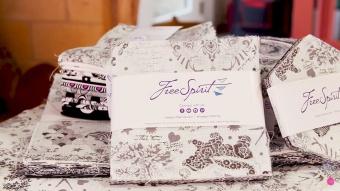42er Charm Squares Linework Tula Pink Designerstoffkollektion - FreeSpirit Charm Pack - Schwarz-Weiß Patchworkstoffe Stoffpaket mit Stoffquadraten