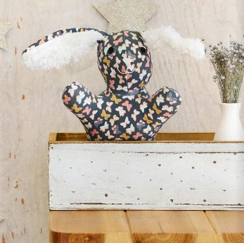 geometrische muster auf minze. Black Bedroom Furniture Sets. Home Design Ideas